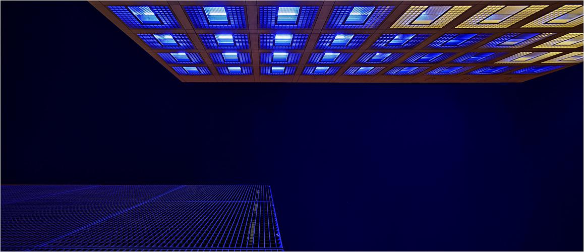 Blaue Fassaden