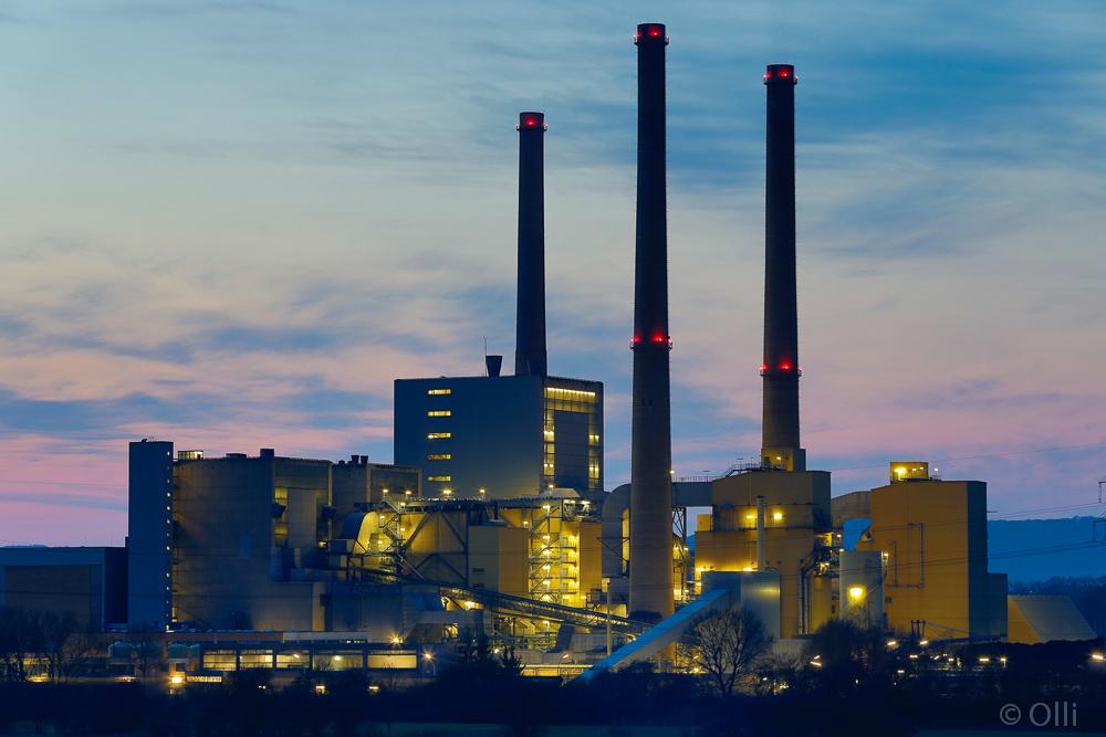 """Blaue """"h"""" am Kraftwerk Veltheim"""
