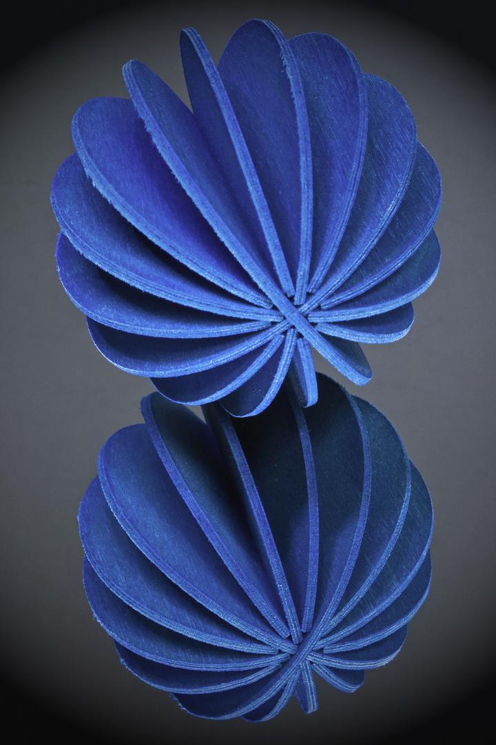 Blaue Sphäre