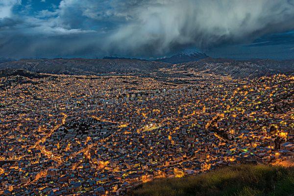 Blaue Stunde: Abends in La Paz, Bolivien