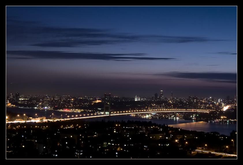Blaue Stunde am Bosphorus