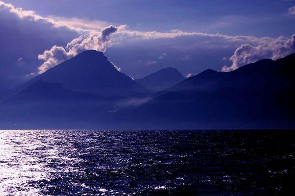Blaue Stunde am Gardasee