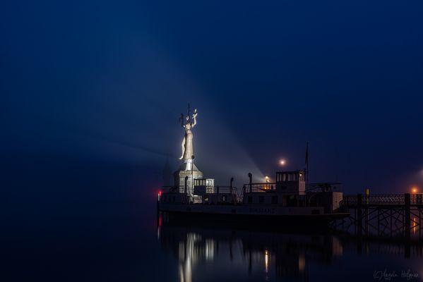 Blaue Stunde am See