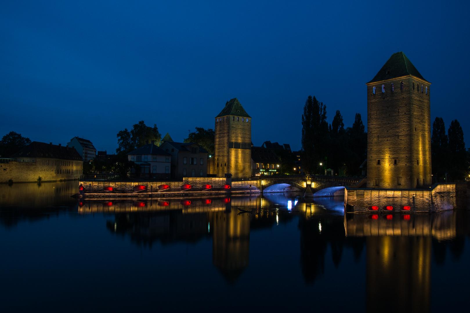 Blaue Stunde an der Pont Couverts / Strasbourg