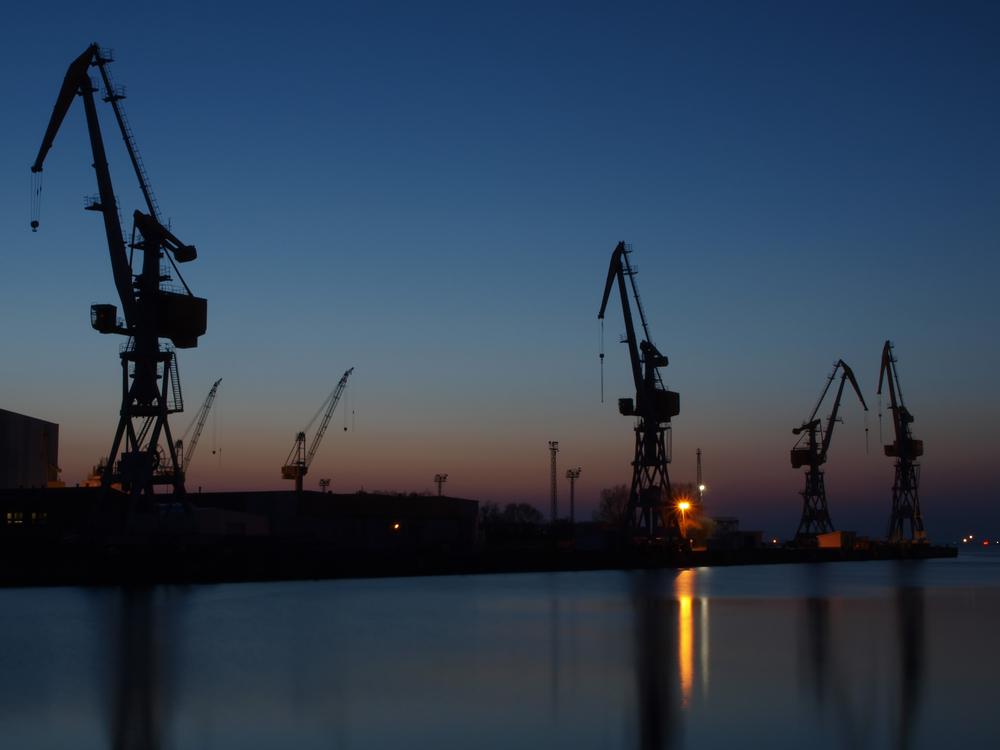 Blaue Stunde im Westhafen Wismar