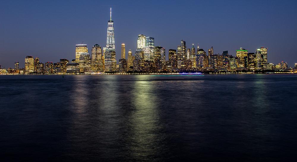 Blaue Stunde in Manhattan. Nachgeschärfte Version
