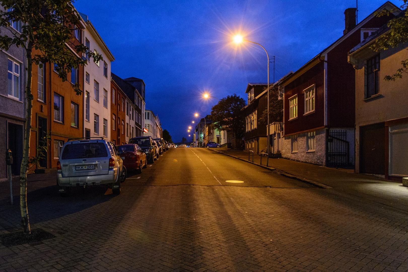 Blaue Stunde in Reykjavik