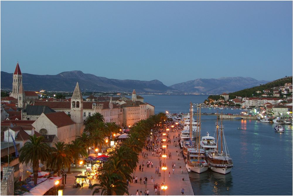 Blaue Stunde in Trogir - Dalmatien