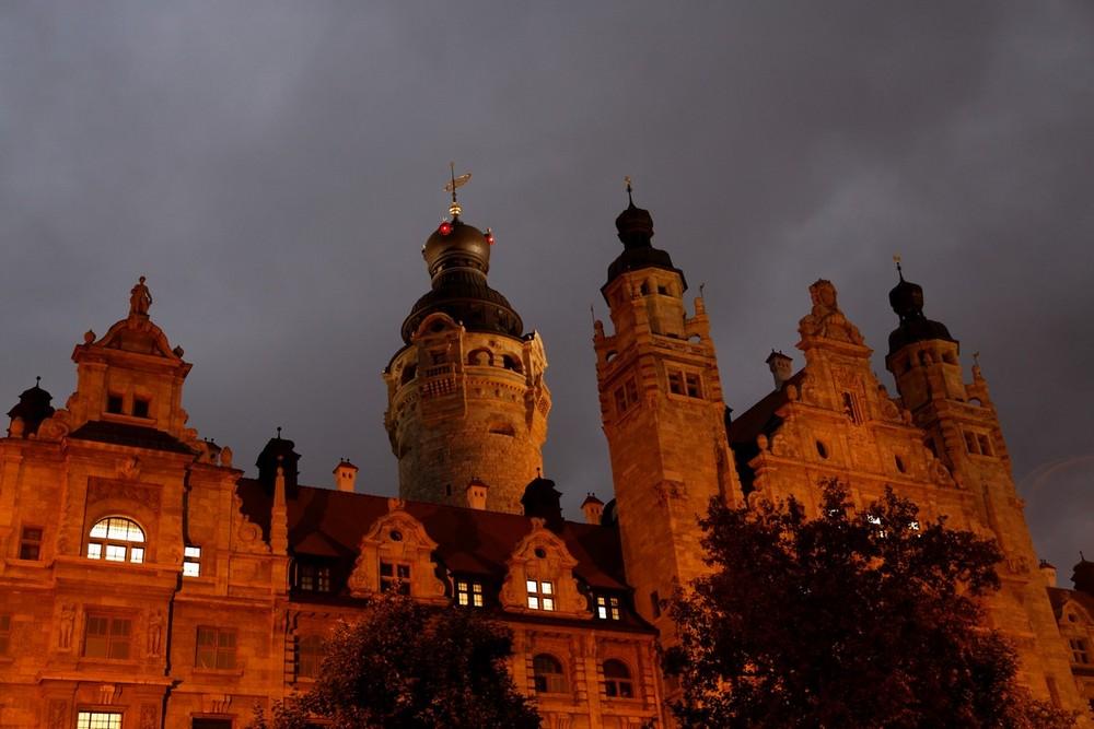 """Blaue Stunde"" - Neues Rathaus Leipzig"