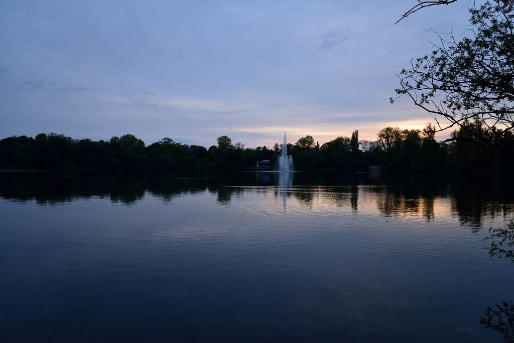 Blaue Stunde über dem Weißensee