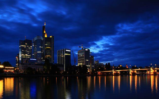 Blaue Stunde über Frankfurt am Main