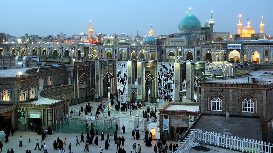 Blaue Stunde über Mashad