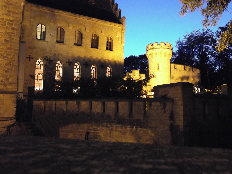 blaue Stunde über Schloss Marienburg