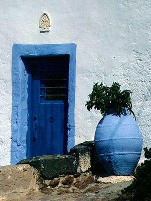 Blaue Tür in Milos (reload)