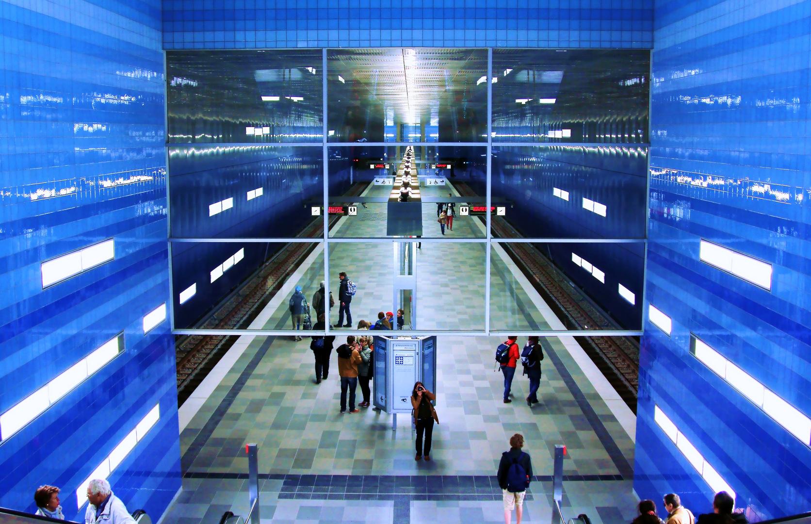 Blauer Bahnsteig