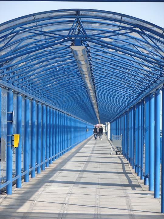 Blauer Durchgang