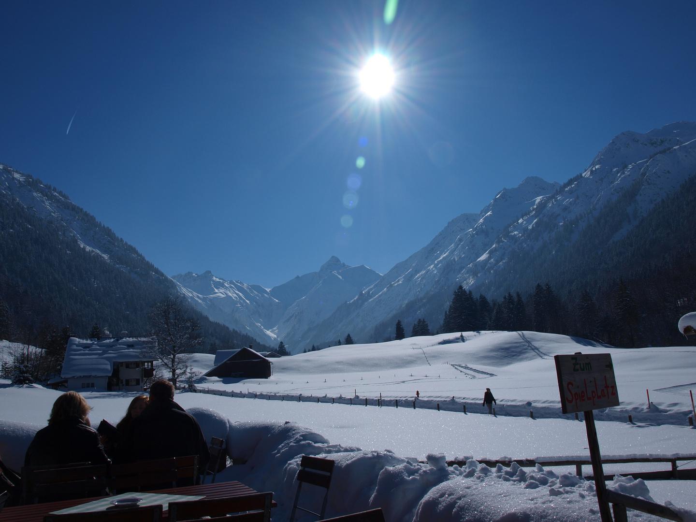 Blauer Himmel ...in Wunderschöner Schneelandschaft
