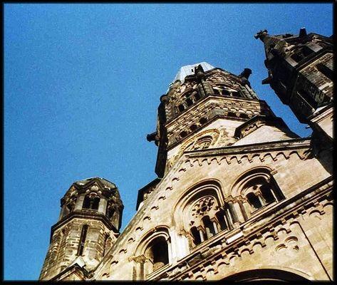 blauer himmel über berlin