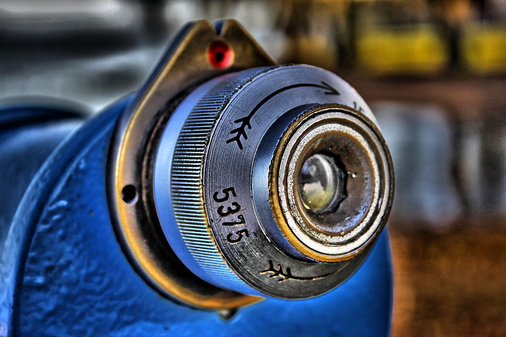 Blaues Teleskop – HDR Fotografie