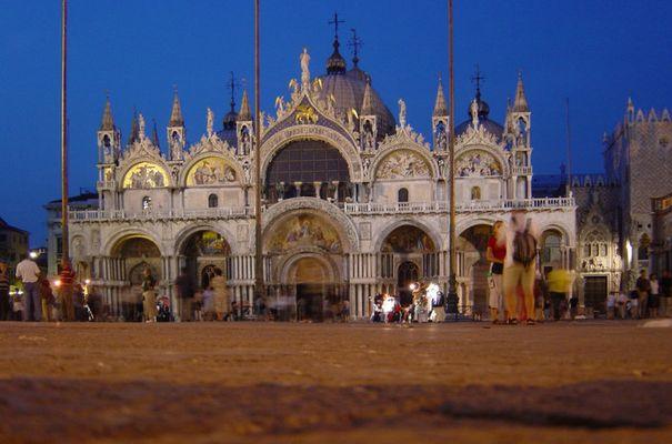 Blaulichtstimmung in Venedig