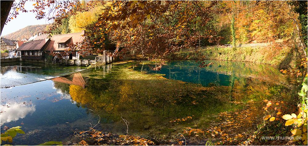 Blautopf im Herbst