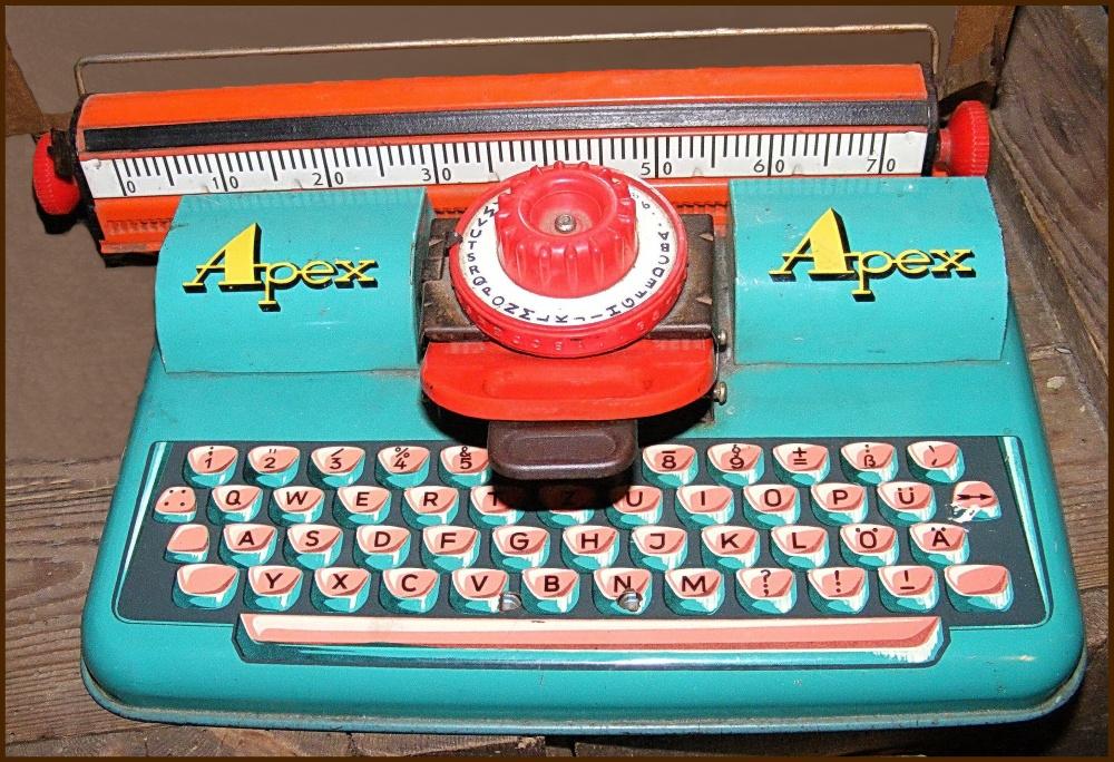 Blech-Schreibmaschine APEX 230