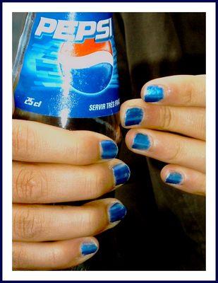 bleu jusqu'au bout des doigts .....