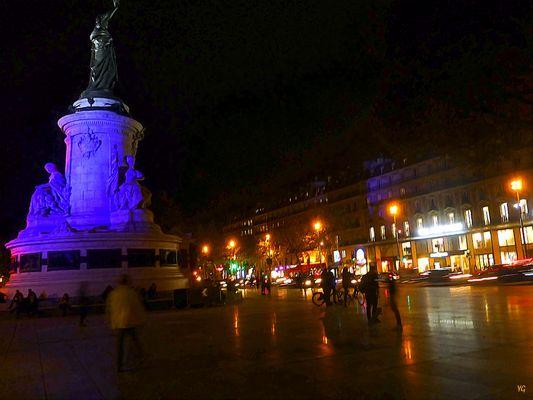 Bleu nuit sur la République...