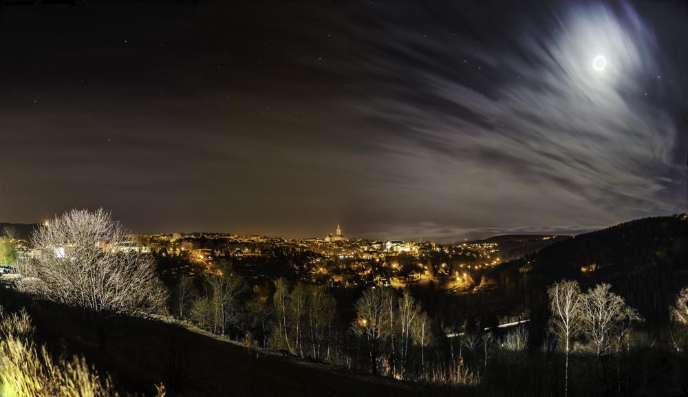 Blick auf Annaberg vom EKA bei Nacht
