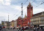 """Blick auf das """" Basler Rathaus """" und Marktplatz"""