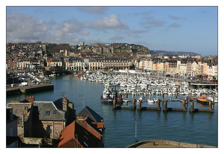 Blick auf den Hafen von Dieppe ...