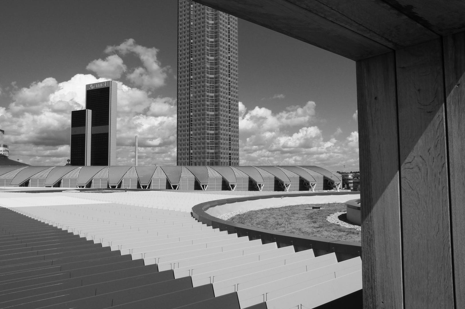 Blick auf den Messeturm