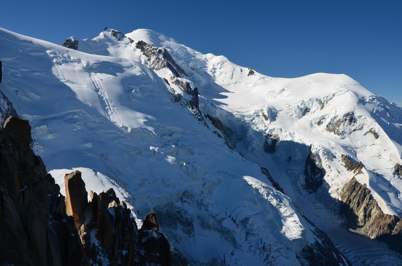 Blick auf den Mont Blanc vom Aiguille du Midi (3842 m)