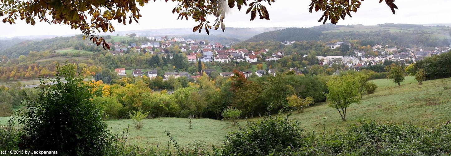 Blick auf den Ort  Irrel im Naturpark Südeifel an der Prüm gelegen