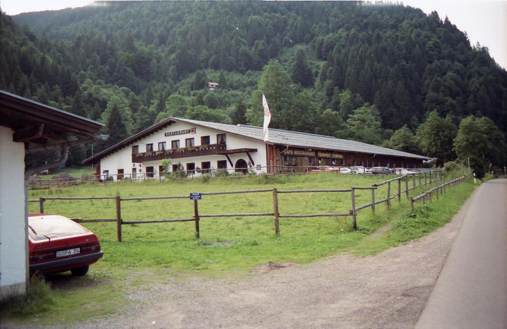 Blick auf den Reiterhof in Tiefenbach