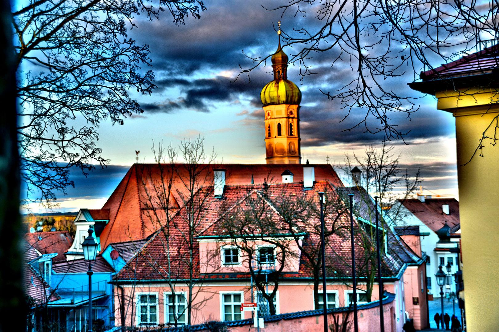 Blick auf die Altstadt und Kirche