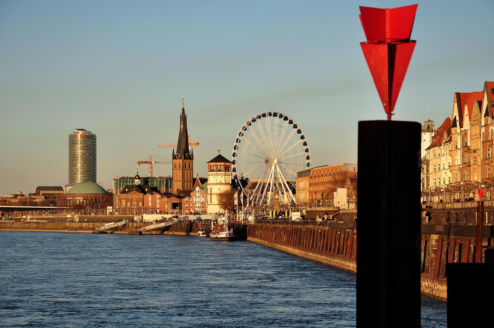 Blick auf die Düsseldorfer Altstadt
