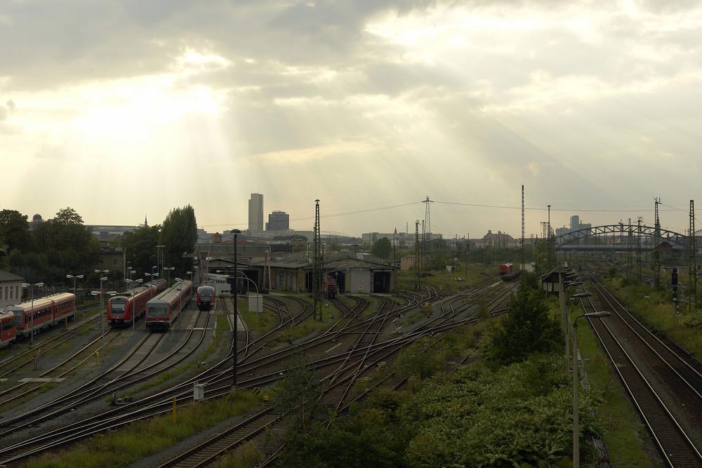Blick auf die Gleisanlagen vorm Leipziger HBF