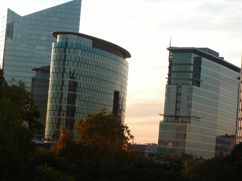Blick auf die Hochhäuser neben dem Botanique Kulturzentrum/Veranstaltungsort