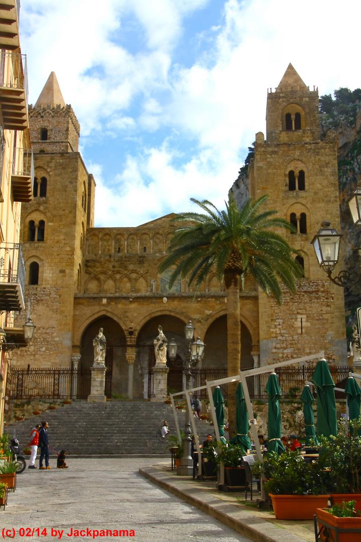 Blick auf die Kathedrale von Cita di Cefalu / Palermo