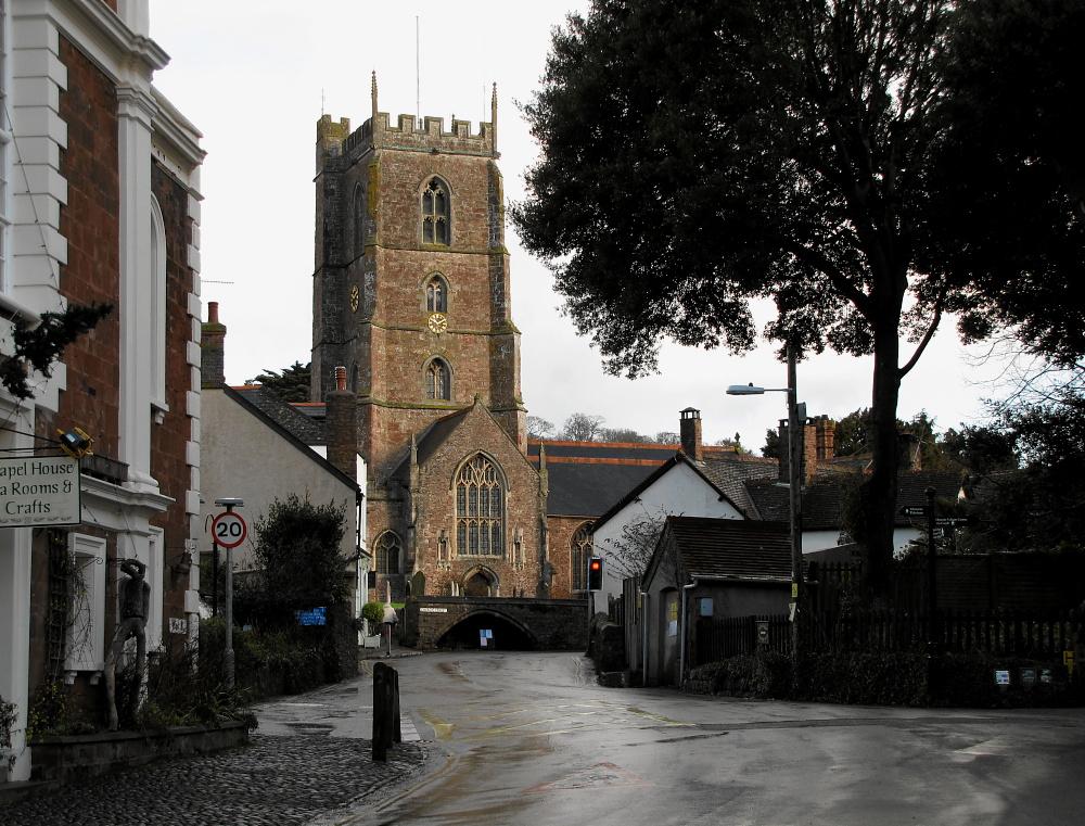 Blick auf die Kirche von Dunster