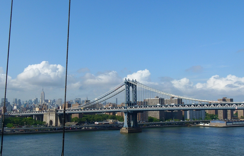 ...Blick auf die Manhattan Bridge...