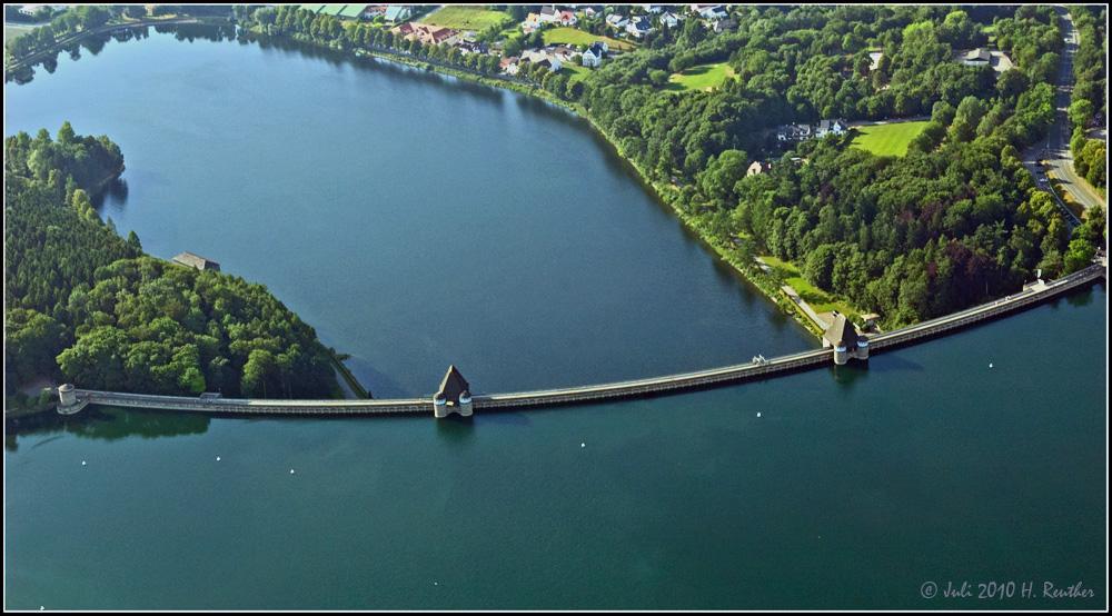 Blick auf die Möhnesee-Sperrmauer