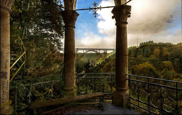 Blick auf die Müngstener Brücke in Solingen...