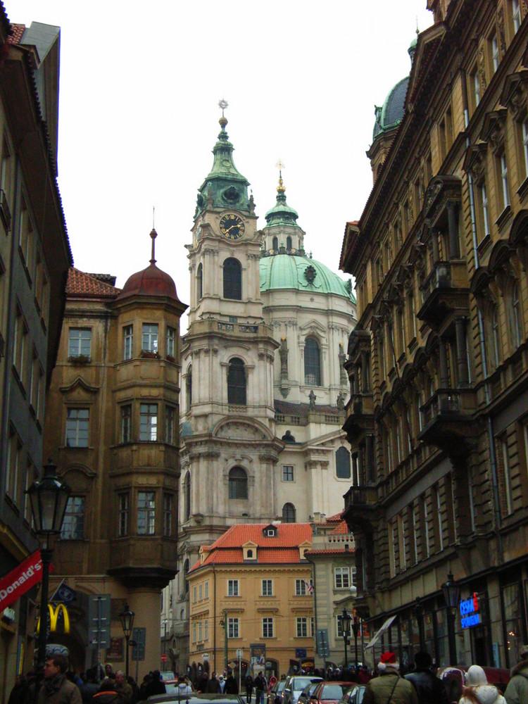 Blick auf die Nicolai-Kirche in Prag - Mala Strana