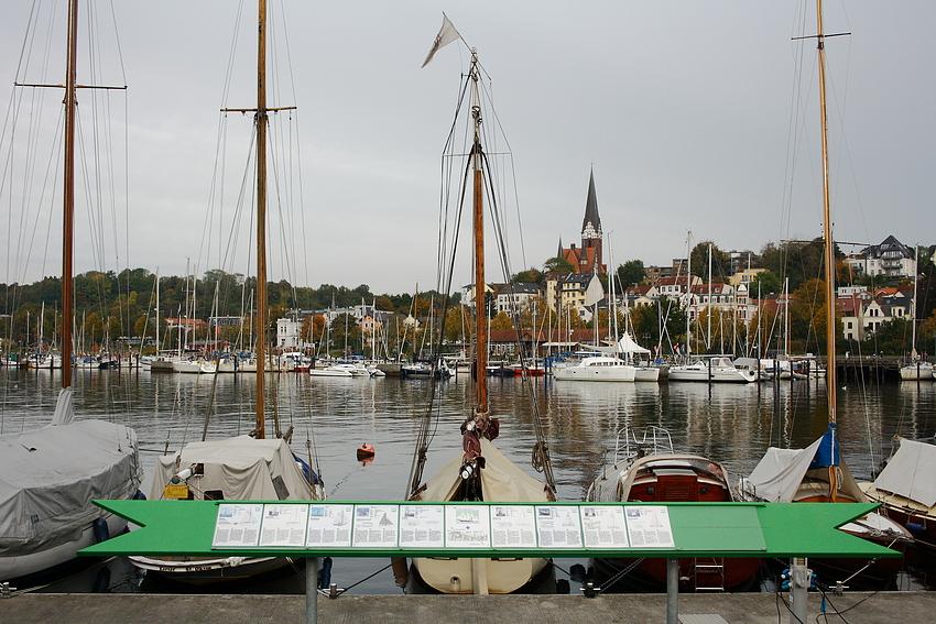 Blick auf die Ostseite des Flensburger Hafens...