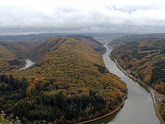 Blick auf die Saarschleife vom Aussichtspunkt Cloef