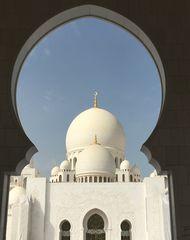 Blick auf die Scheich-Zayid-Moschee