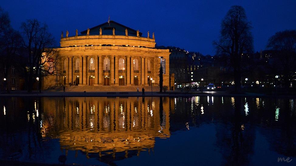 "Blick auf die Staatsoper Stuttgart ""Blaue Stunde"""