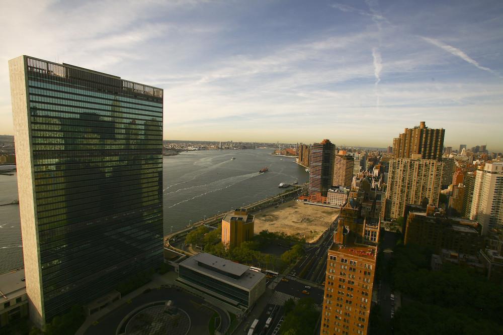 Blick auf die UN und den Hudson